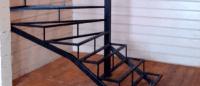 лестницы, мебель, интерьеры На металлическом каркасе