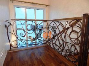 Винтовая спиральная лестница по проекту Онегин парк
