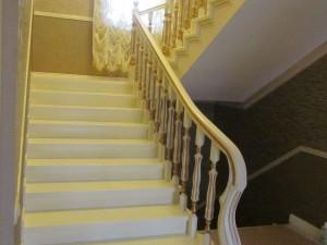 Фото проекта лестниц в Ольшаниках с прайсом