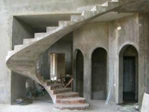 Продажа деревянных и кованых лестниц
