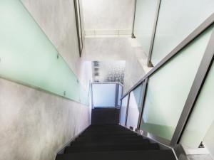 Установка и доставка лестниц AVC