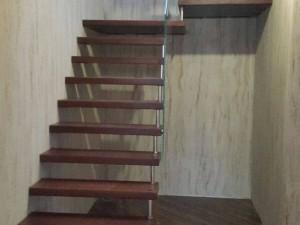 Чай тек лестница, спроектированная в Ропше