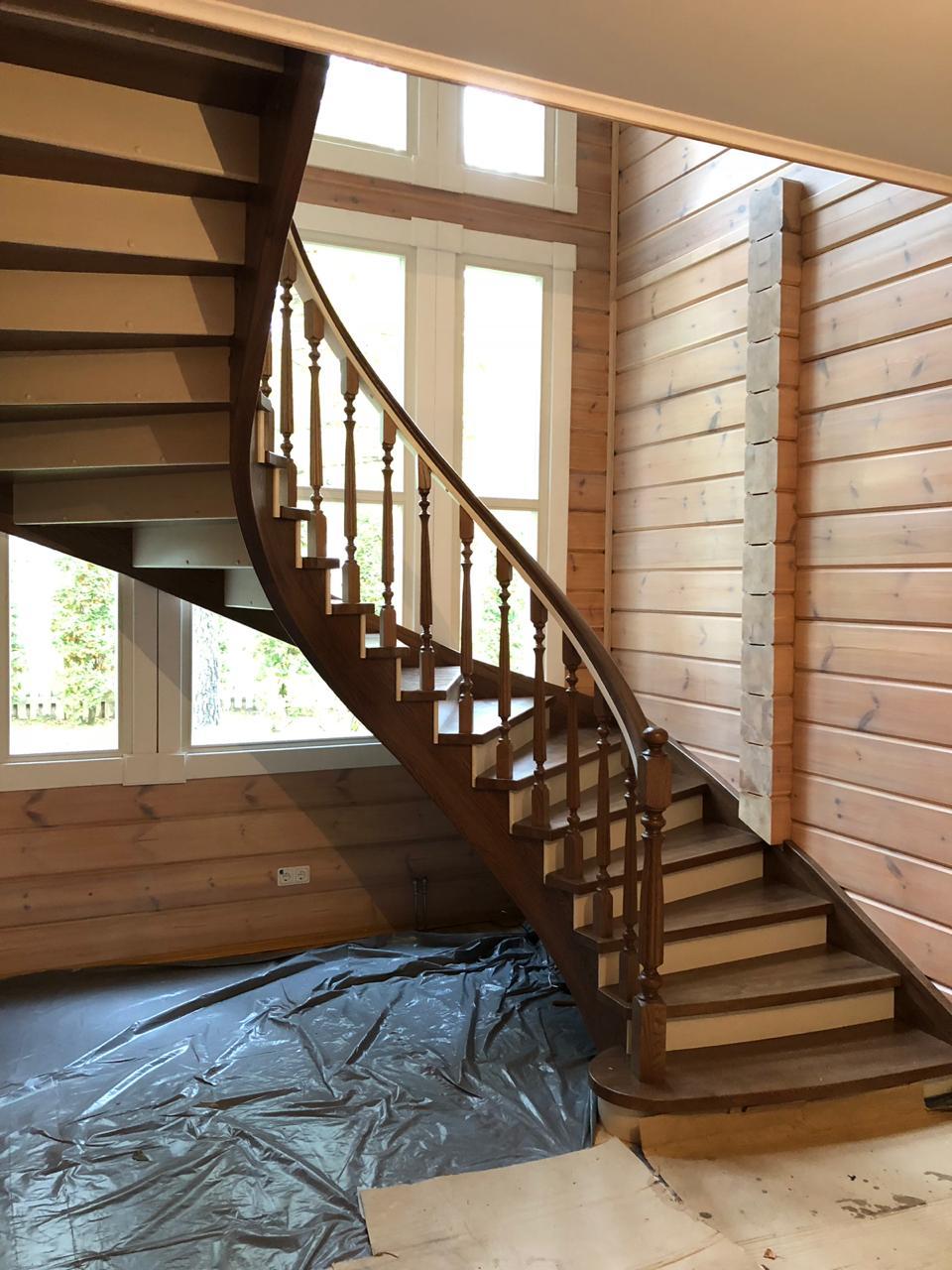 Радиальная лестница из массива дуба лестницы, мебель, интерьеры