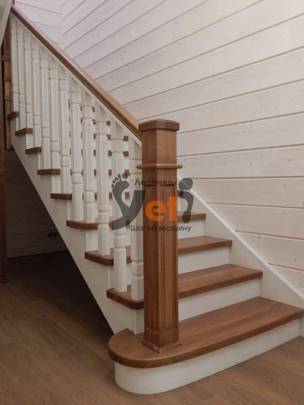 дубовая лестница с забежными ступенями