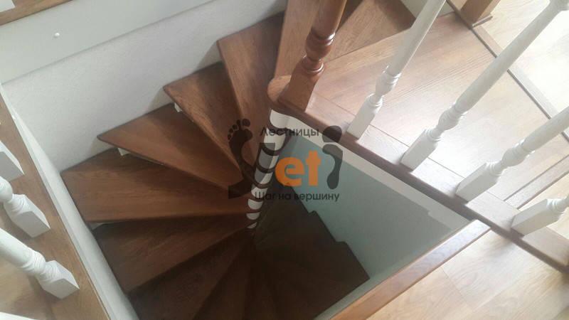радиусная винтовая лестница на третий этаж
