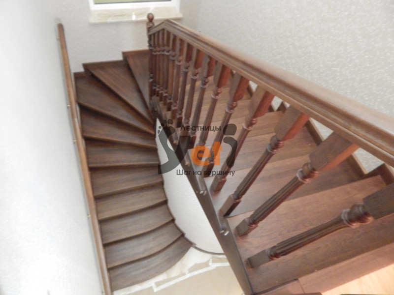 лестница с металлическим каркасом