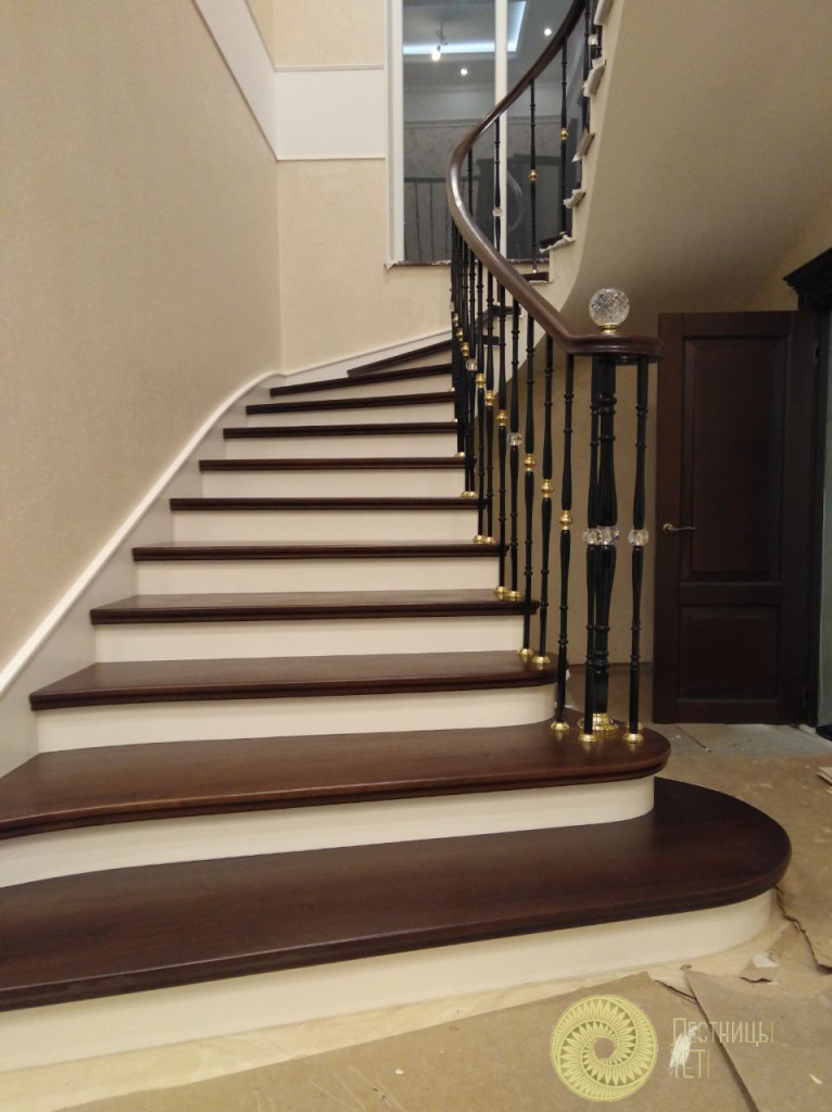 Радиусная лестница с ограждением Grande Forge с камнями Swarovski лестницы, мебель, интерьеры