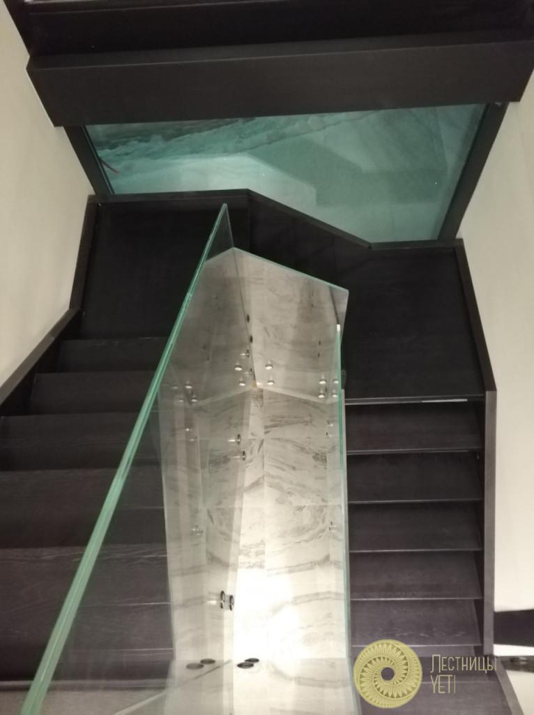 Деревянная лестница со стеклом в стиле хай-тек лестницы, мебель, интерьеры