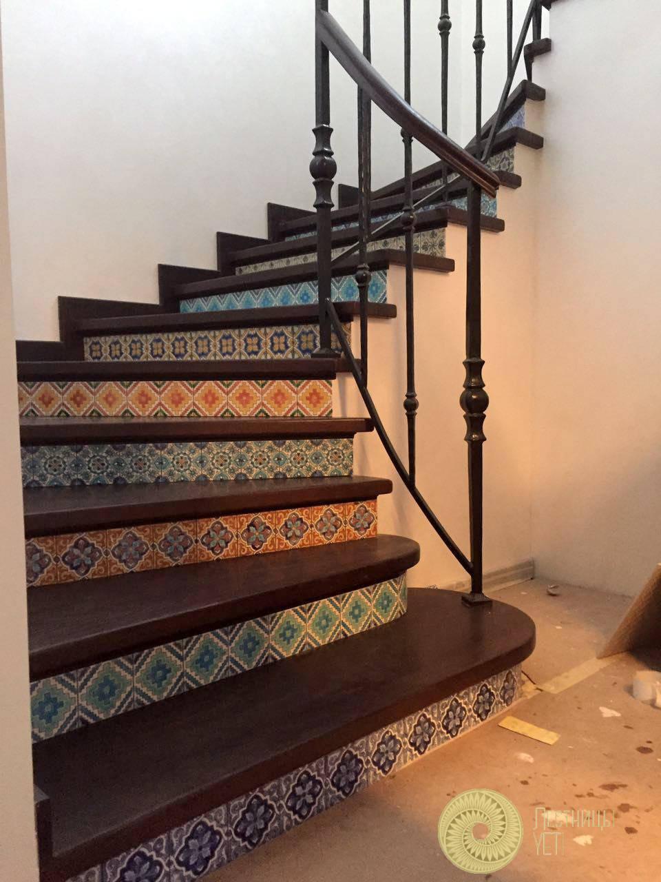 лестница с подступенками из керамической плитки