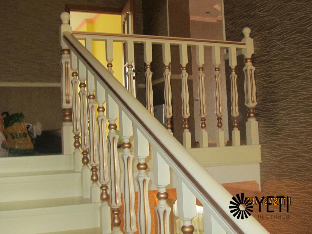 белая маршевая лестница