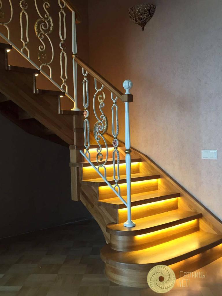 лестница с подсветкой и ограждением grande forge