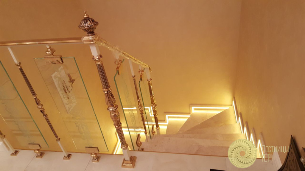 Лестница с мрамором и ограждением Grande Forge лестницы, мебель, интерьеры