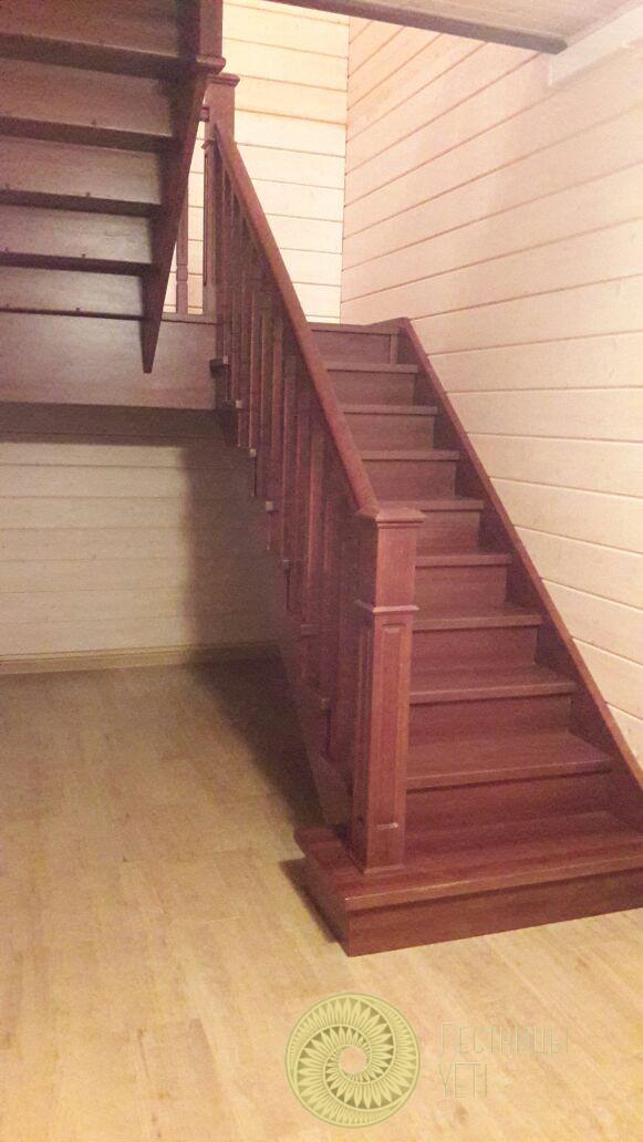 лестница с квадратными балясинами