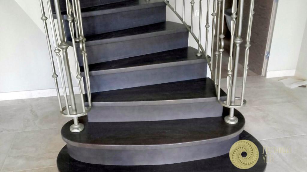 бетонная лестница с радиусным ограждением grande forge