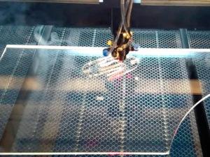 Лазерная резка оргстекла - изображение 1